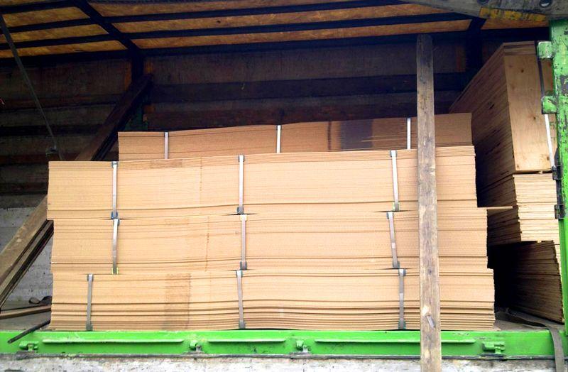 Хранение упакованной плиты под навесом