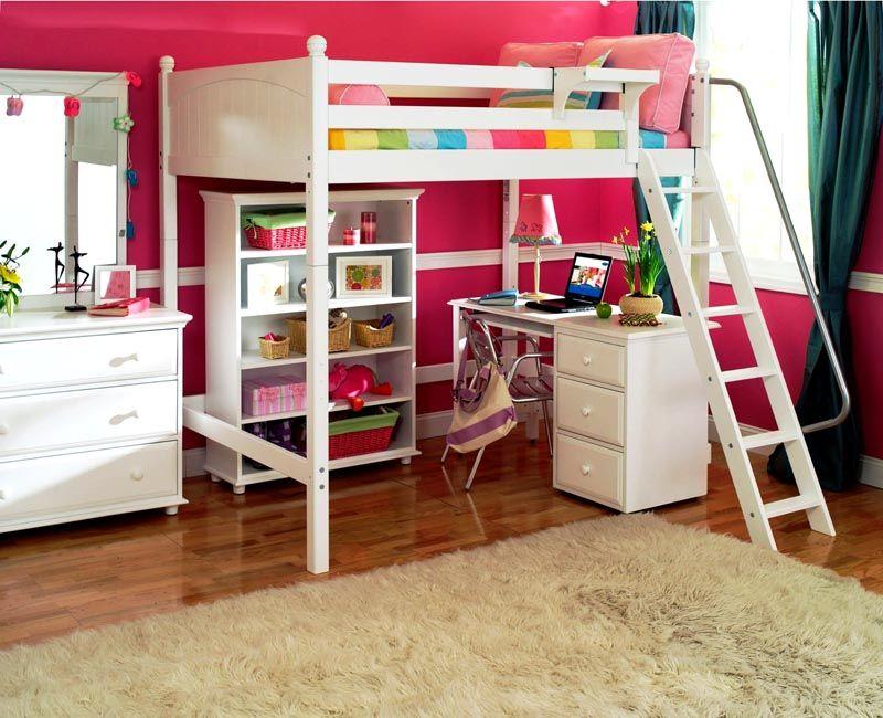 Вариант для девочки подросткового возраста должен комплектоваться большим количеством всевозможных шкафчиков и полочек