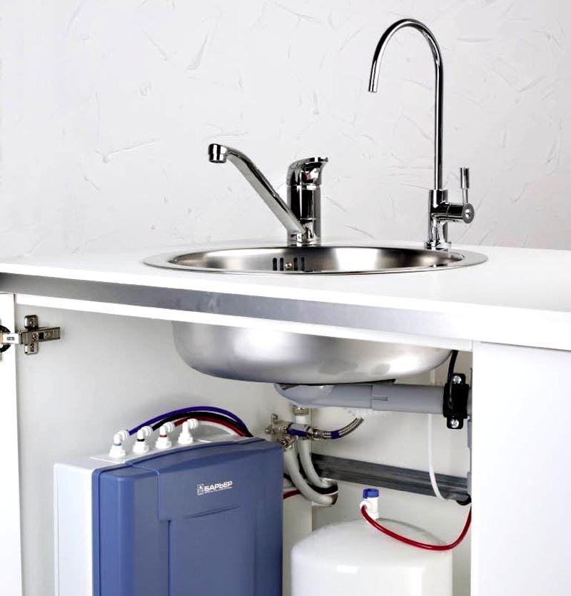 Установка обратного осмоса с накопительным баком для подготовки питьевой воды