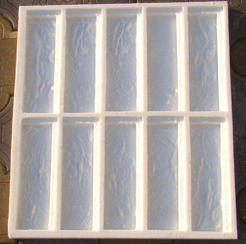 Такие формы выпускают из силикона и полиуретана