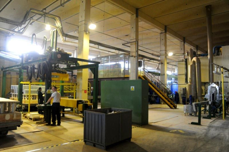 На этом отечественном заводе изготовление клинкерной плитки под кирпич для внутренней отделки организовано с применением международных стандартов