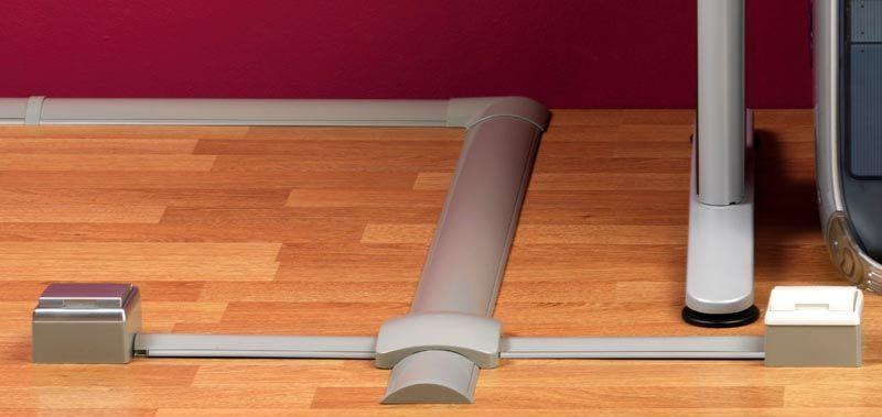 Если запланирована установка кабель канала на пол в подобном месте, вполне достаточно будет прочности пластиковых изделий