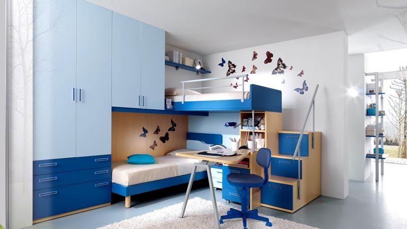 Для двоих детей подойдет гарнитур с большой системой хранения и двумя спальными местами