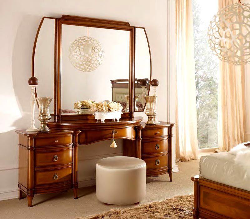 Роскошный вариант для спальни в классическом стиле