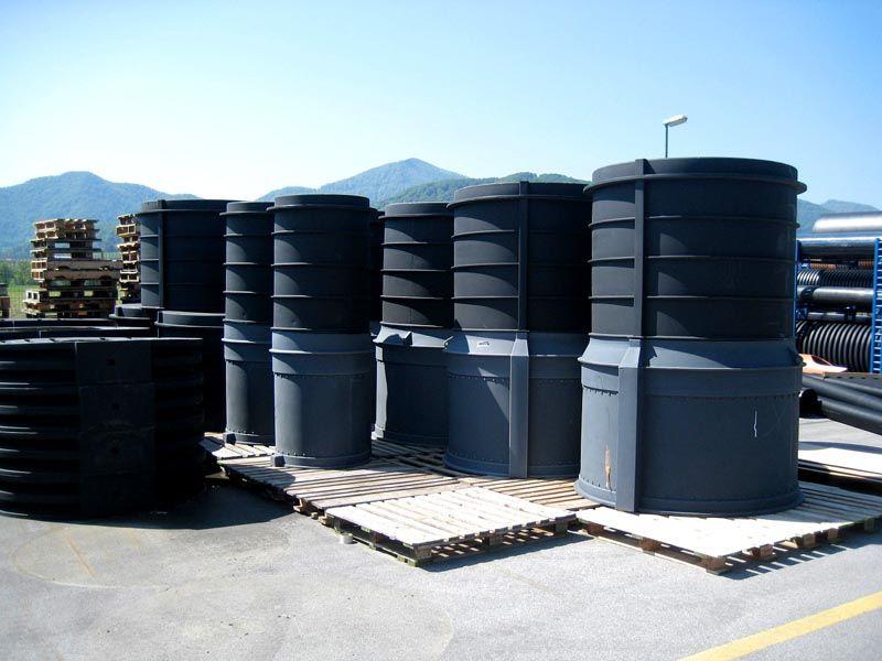 Пластиковые колодцы для водывыполняют свои функции на протяжении десятков лет без ремонта