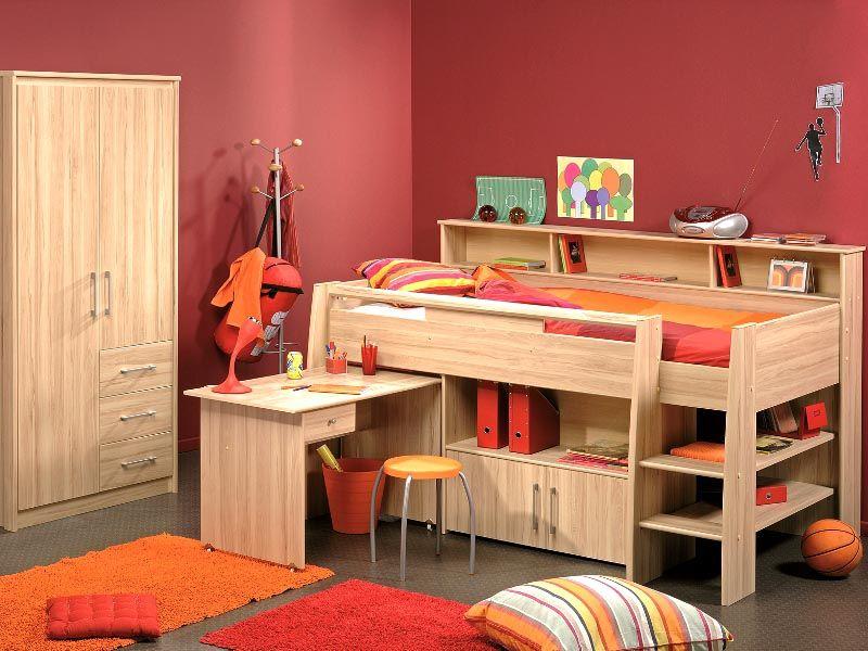 Низкое спальное место подойдет для маленького ребенка