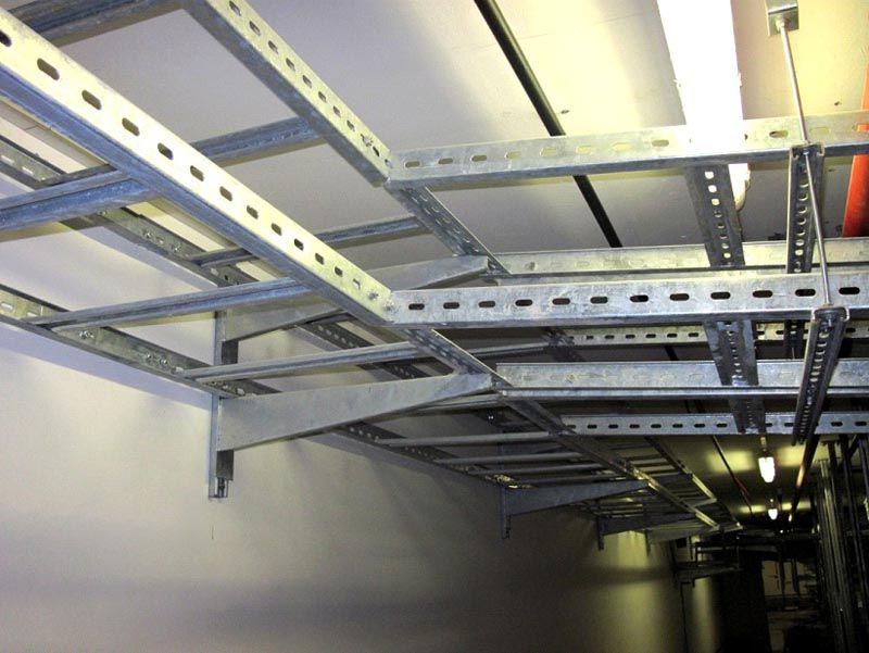 Такие изделия применяют для оснащения производственных, технических, подсобных помещений