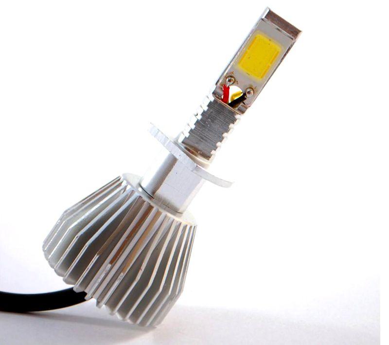 Мощную матрицу категории COB (Chip On Board) надо охлаждать. Такие лампы устанавливают в автомобильные фары ближнего и дальнего света