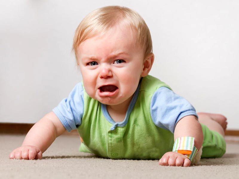 Нежные ткани будут бурно реагировать на сухость воздуха, и ваш малыш начнет болеть и капризничать
