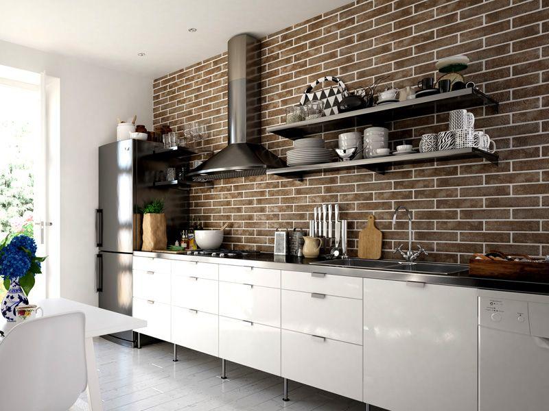 Такое оформление будет хорошо чувствовать себя в ванной и на кухне, керамика устойчива к сырости и перепаду температур
