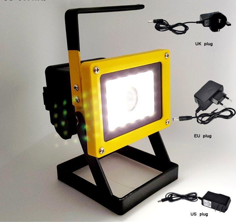 Под брендом Cree выпускают мощные источники света для автомобилей, проекторной техники, стационарных и переносных прожекторов