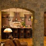 Отделка прихожей декоративным камнем и обоями: фото лучших интерьеров и полезные рекомендации