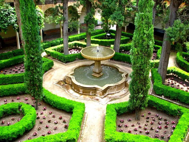 Восточный декор с фонтаном