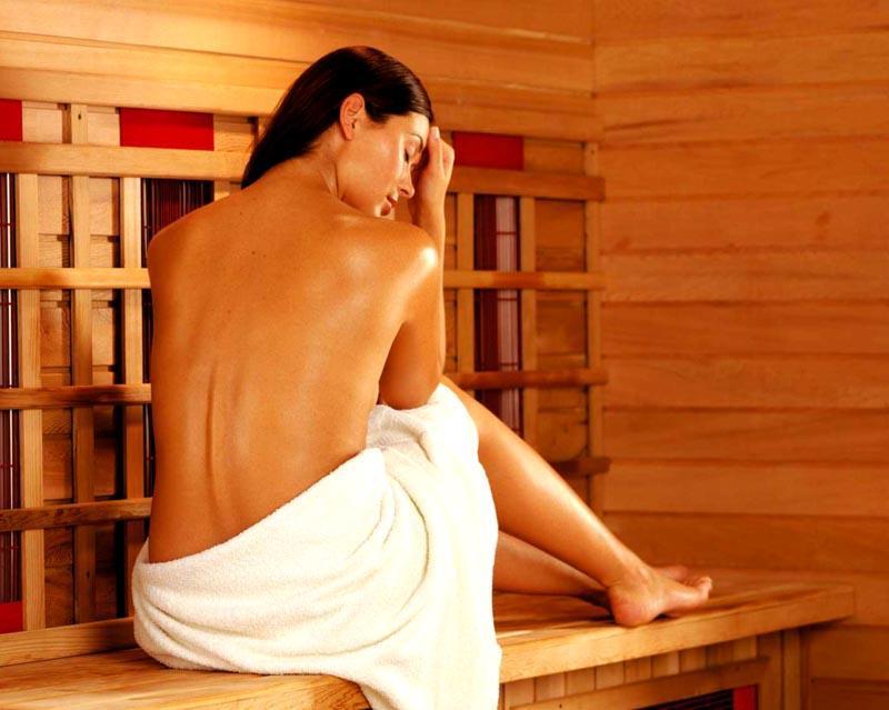 Мягкий прогрев не вызывает стрессовой реакции, как раскаленная атмосфера парной и контрастные водные процедуры
