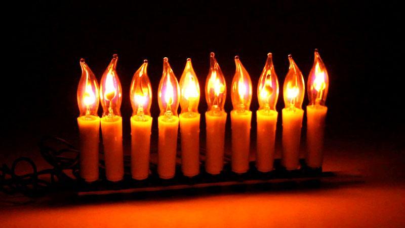 Украшение в форме свечей – одно из самых популярных в советские годы