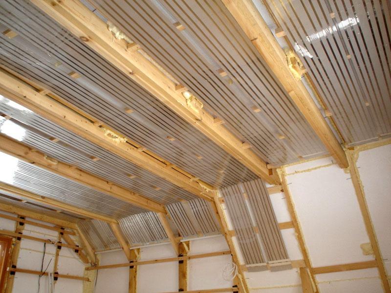 Полноценное отопление помещения мансарды при помощи пленочных инфракрасных ПЛЭН систем, устанавливаемых как на потолок, так и на стены