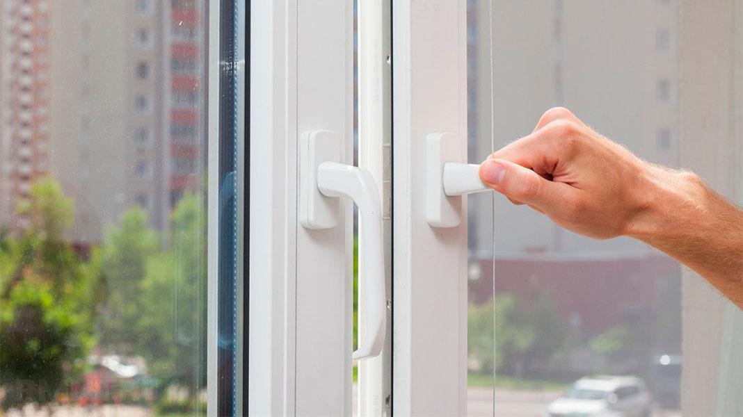 Не закрывается пластиковое окно. Что делать? Советы и помощь.