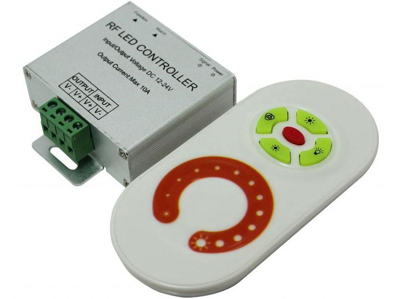Устройства с пультом комфортны, стоят дороже обычных регуляторов освещения