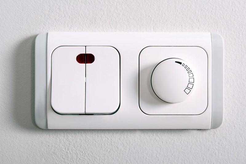 Проходной выключатель в комплексе с диммером