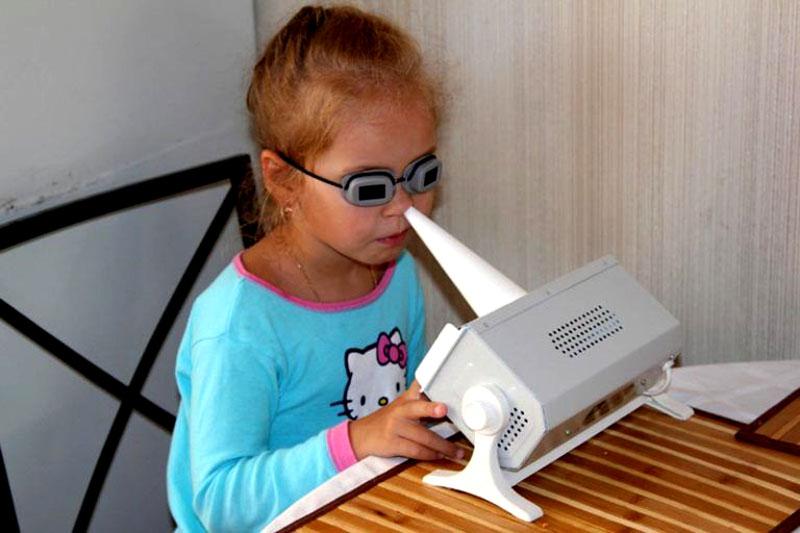 С помощью «Солнышка» можно прогревать нос, горло и уши