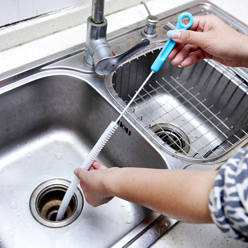 Металлические сифоны можно почистить специальным тросиком