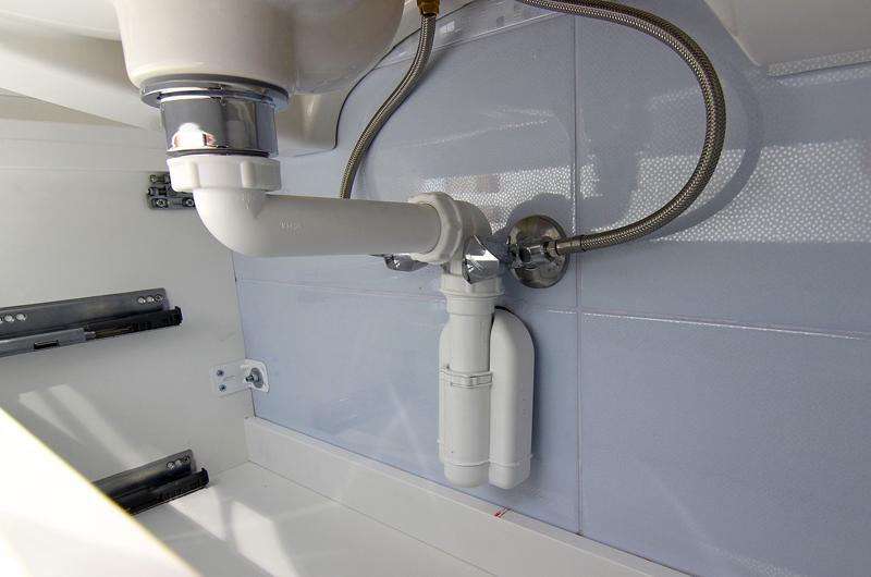 Устройство водного затвора используется на всей сантехнике в доме