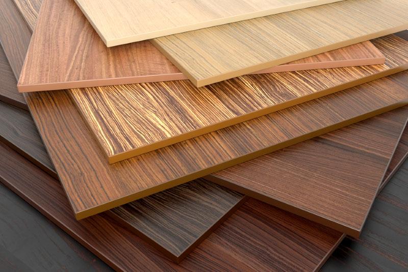 Ламинирование под дерево имеет множество вариантов и в точности передает фактуру древесины