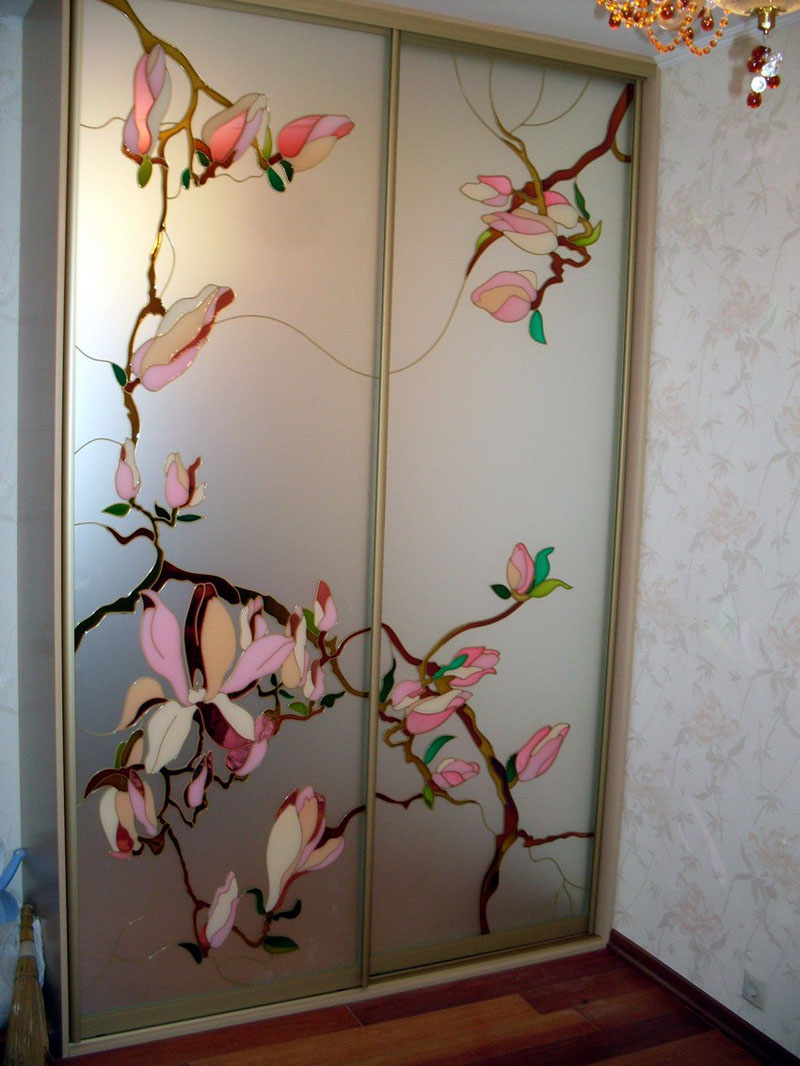 Оригинальный витраж в японском стиле