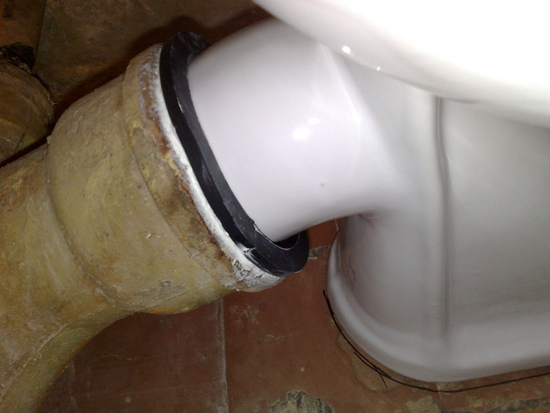 Подключению к канализации отдельное внимание