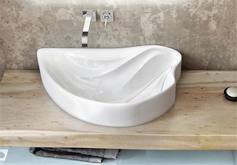 Оригинальная нестандартная форма раковины для ванной