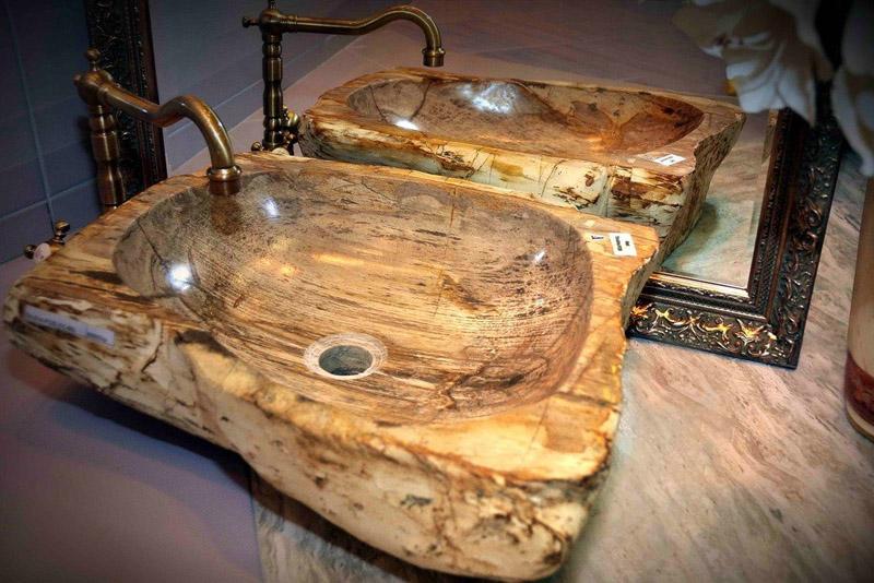 Деревянные раковины из массива дерева, обработанные водоотталкивающими составами