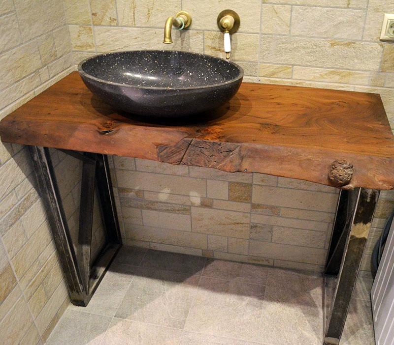 Деревянная столешница под накладную раковину