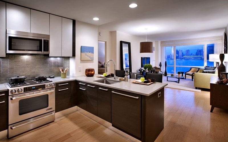 Потребуются современные системы хранения до самого потолка с удобными выдвижными ящиками