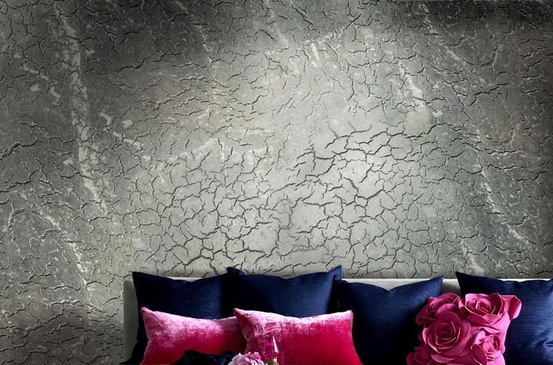 Шпатлевка «кракелюр» создает впечатление старой, растрескавшейся стены