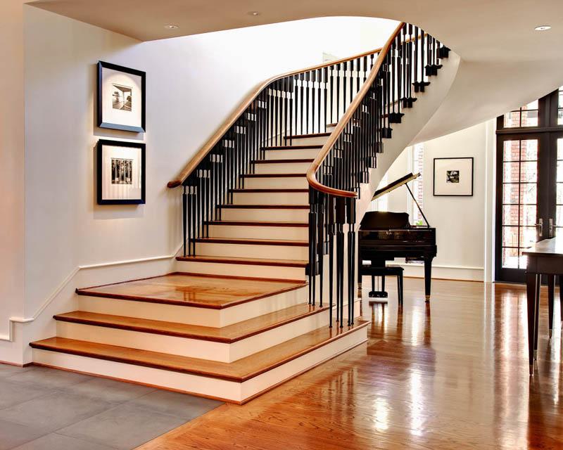 Главное, чтобы лестница на второй этаж частного дома была надежной