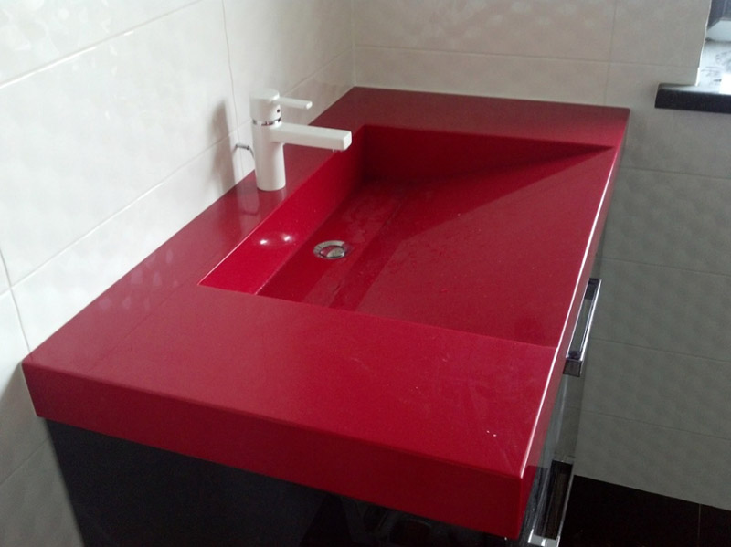 Прямоугольной формы акриловая раковина красного цвета