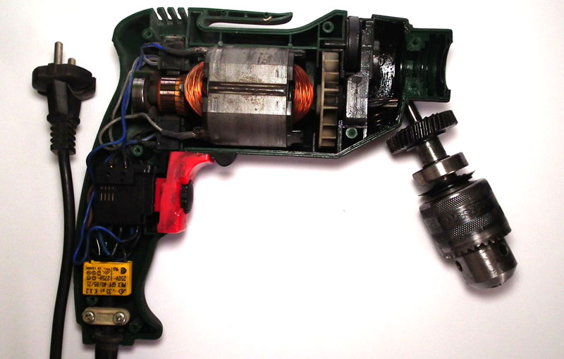 Инструмент со щёточным электродвигателем