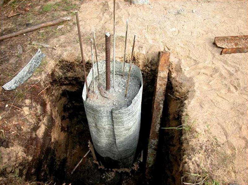 Так выглядит готовый столбчатый фундамент, залитый своими руками