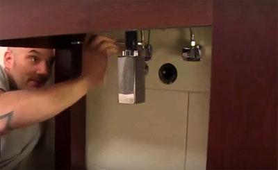По каким критериям выбрать раковину для ванны накладную на столешницу