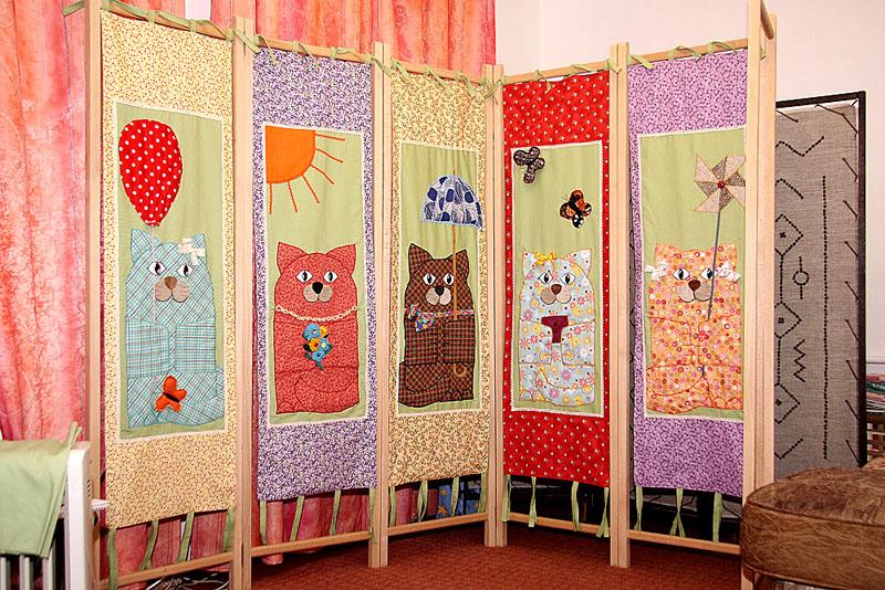 Ширма с декоративным узором станет настоящим украшением детской