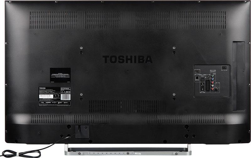 Задняя стенка телевизора марки Toshiba с отверстиями для болтов