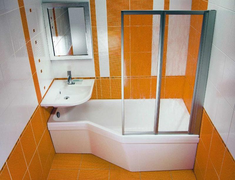 Ванная нестандартного размера позволяет разместить умывальник