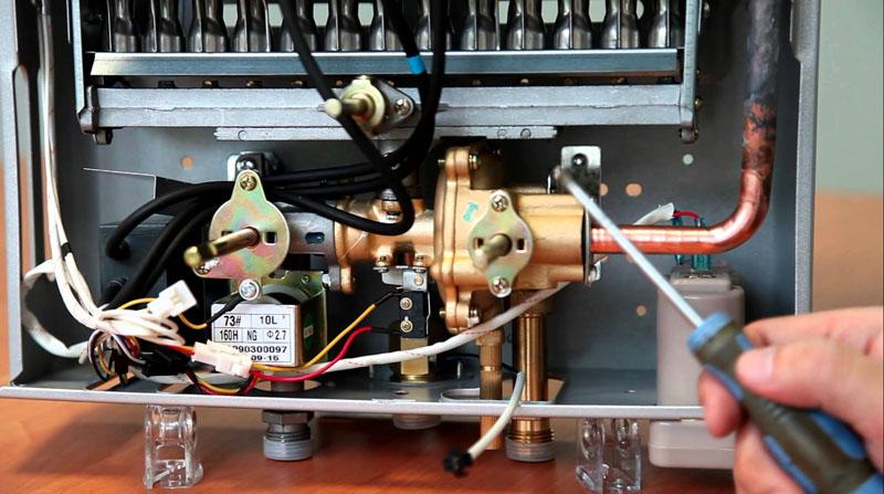 Ремонт водонагревателя нужно производить в сервисных службах