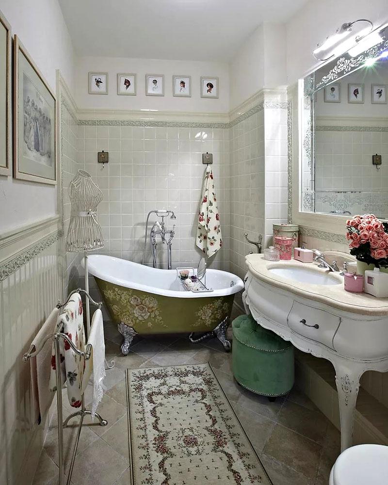 Миниатюрная ванная в стиле прованс