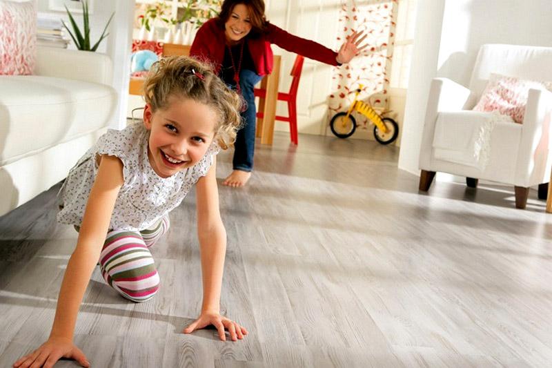 Ламинат экологически безопасен даже для детей