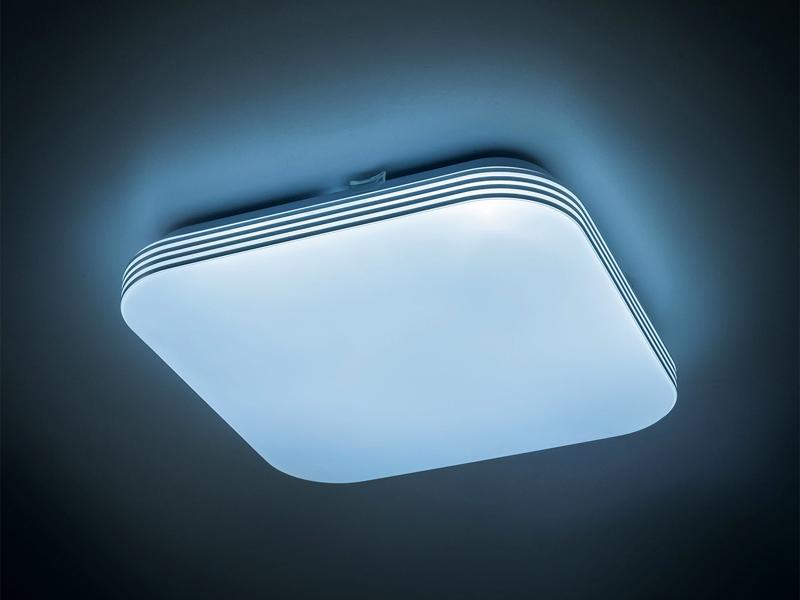 Накладной LED-светильник выглядит довольно стильно