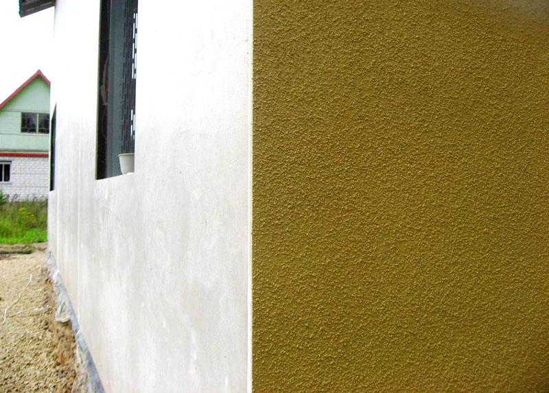Внешний вид стены здания при нанесении состава механизированным способом