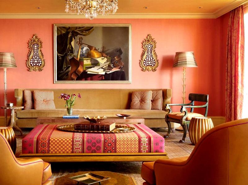 Чем светлее комната, тем легче воспринимаются насыщенные глубокие оттенки в её оформлении