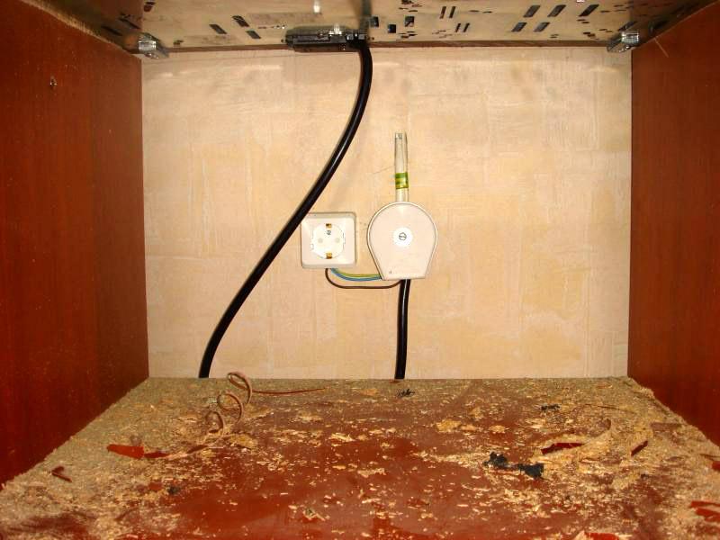Вариант установки розетки для варочной панели