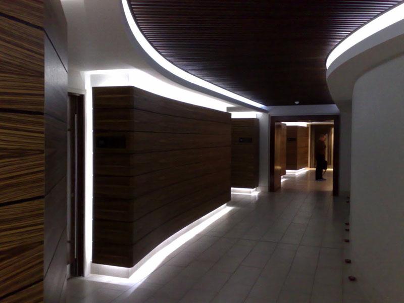 Освещение офисных зданий при помощи LED-профилей
